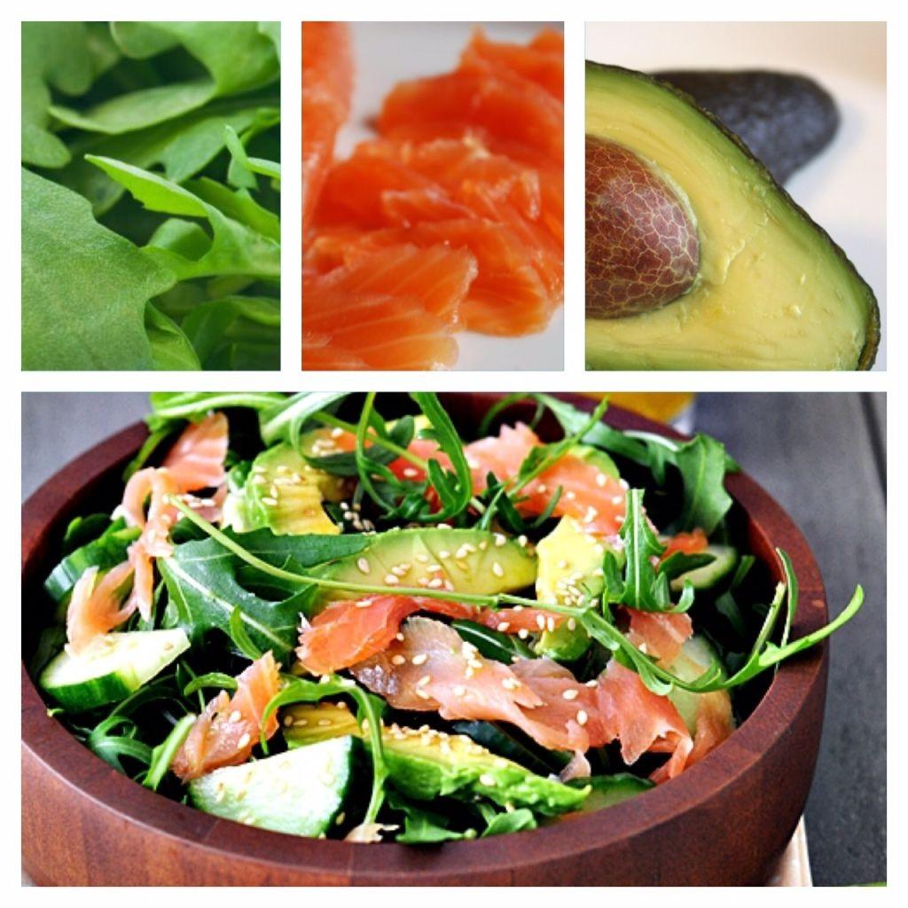 Laksesalat med sesam og avocado